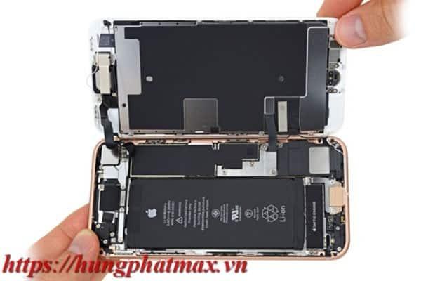 Cho pin mới vào máy iphone 7 phus