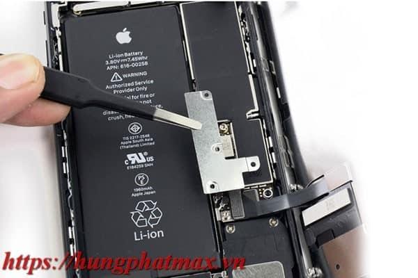 Hoàn thiện lắp ráp pin mới vào iphone 7 phus