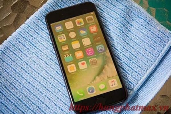 Màn hình iphone 7 plus bị ố vàng hoặc hồng phải xử lý như thế nào
