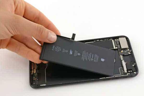 Thay pin cho điện thoại tại Điện ThoạiHùng Phát