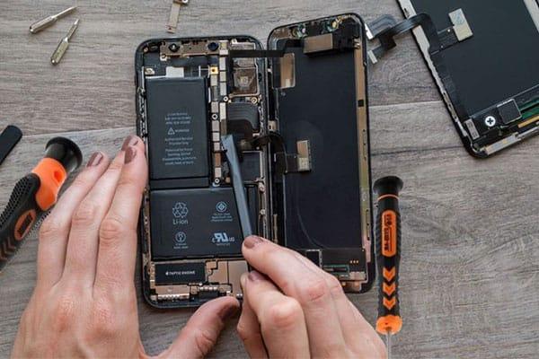 Hùng Phát chuyên thay pin iphone x chính hãng
